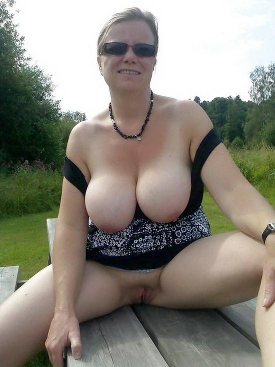 feuchter orgasmus frau beringte brüste
