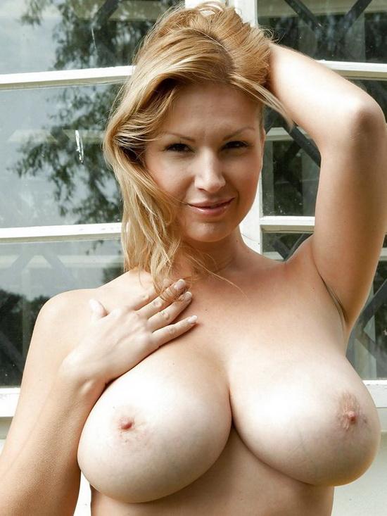 Riesentitten Nackt